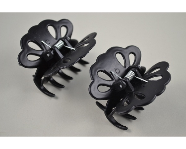 Card of 2 black flower design clamps