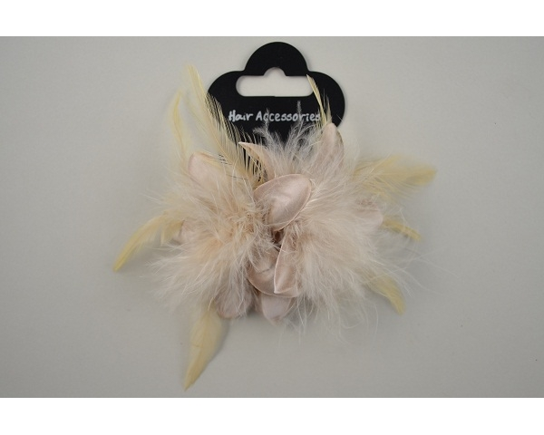 Double flower on an elastic with feather detail. Packed 4 cream, 4 beige & 4 brown