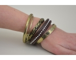 5 bangles per kimble, 1 wooden with diamantes, 4 bronze in various designs