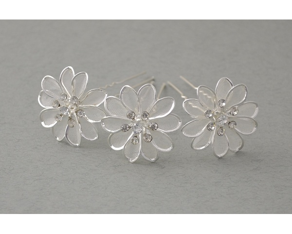 12 x silver flower shaped hair pin with crystals. Approx 3cm
