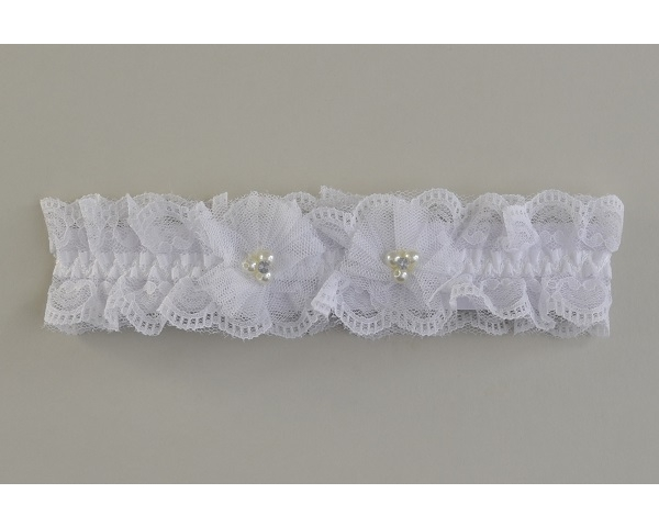 Girls lacy netted elasticated kylie with net and bead design in white.  Length approx 20cm. Width approx 5cm