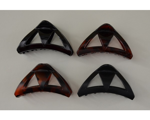 Triangular shaped clamps in matt and gloss finish. Brown and black per pack.9cm approx